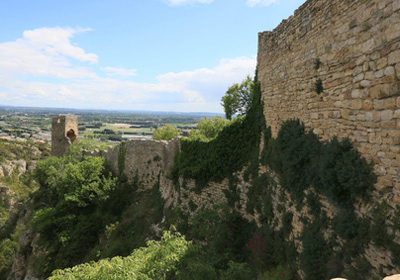 The Mornas fortress  (10 Km):
